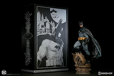 NEW!! SIDESHOW BATMAN Premium Format STATUE! Worldwide shipping!! JUSTICE LEAGUE