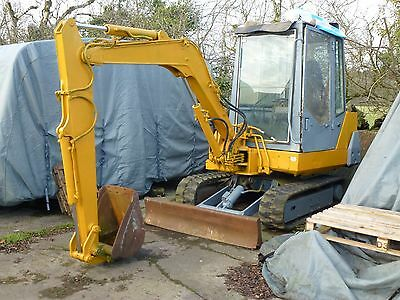 Komatsu Tracked Mini Digger Excavator 3T 3 / 3.5 Ton Tonnes Pc20-6 Two Buckets