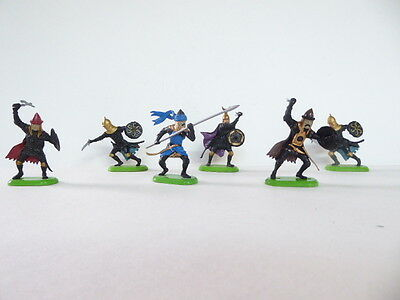 Toy Soldiers - Britains  - 6 Saracens with weapons- plastic 54mm