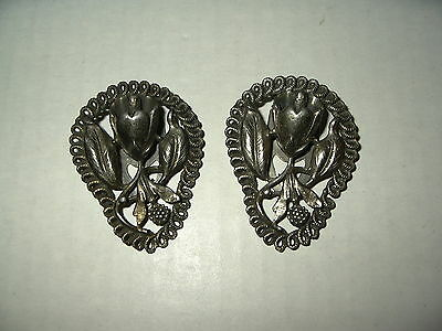 2 Vintage Victorian Silvertone Pewter Flower Fur-Scarf-Dress-Shoe Clips