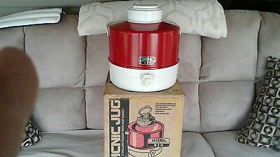 Thermos picnic Jug 2 Gallon Faucet with Cup Caddy