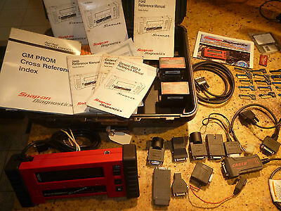 Snap-on MT2500 Scanner with Accessories Keys + MORE