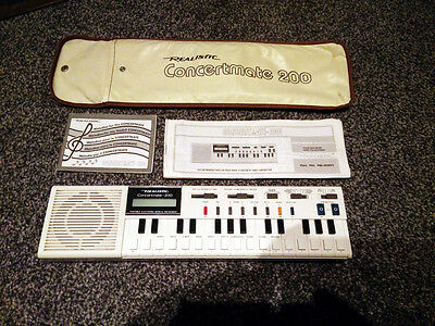 Vintage Realistic Concertmate 200 Electronic Keyboard Synthesizer Made Japan
