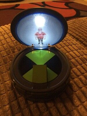 Ben 10 Alien Force Hologram Projector With Grandpa Max Voice Rare