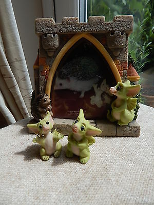 """Pocket Dragons """"CASTLE"""" Photo / Picture Frame & 2 Small Dragons RARE"""
