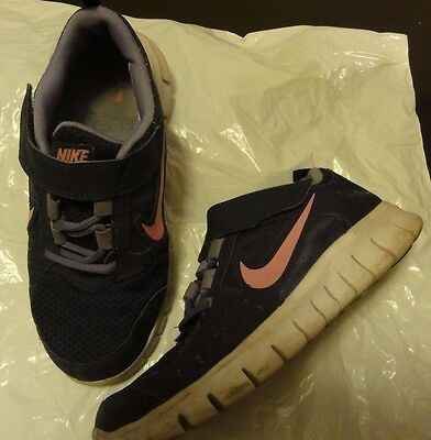 AS NEW Girls' dark blue with pink NIKE trainers/runners, size 35