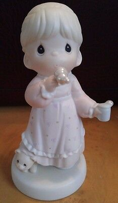 Precious Moments - Memories Are Made Of This - w/box - Trumpet Mark - No. 529982