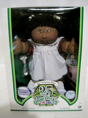 25th Anniversary African American Cabbage Patch Doll Limited Edition(HKY40-413)