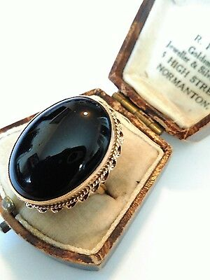 Lovely Large Vintage Hallmarked 9ct Gold Onyx Statement Ring. Size L. 7.8 Gramme