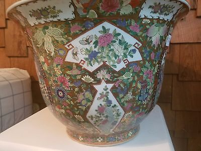 """Wide Hand Painted Beautiful Antique Chinese Porcelain Pot 19"""" Diameter"""