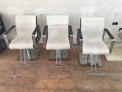 3 Luxurious White Hairdressing Salon Chairs * Hydraulic * Footrest * VGC * Spa *