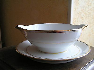 Sauciere Porcelaine De Limoges P.dessagne Creation D'art Blanche Et Or