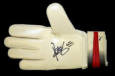 Peter Shilton Hand Signed Goal Keeper Glove : New