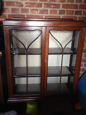 Traditional style glass display cabinet