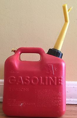 Vintage Pre Ban Chilton 2 Gallon 12 Ounce Vented Gas Can Model P20