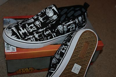 NIB Mens Size 10 Star Wars Sneakers canvas casual shoes slip on style