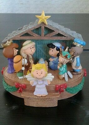 "Charlie Brown Hallmark Peanuts Nativity 2006 ""Thats what christmas is all about"""