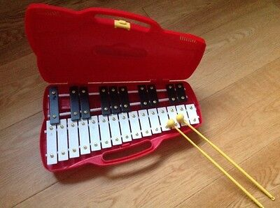 glockenspiel in carry case with beaters