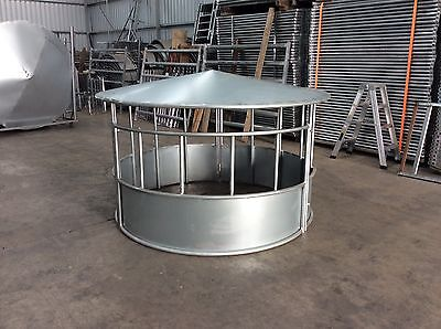 Round Hay Feeder With Roof
