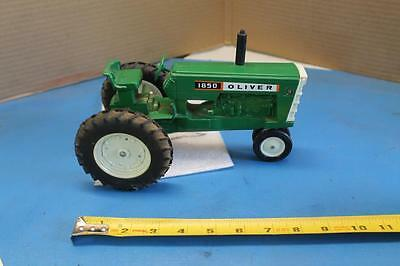 VINTAGE Ertl Farm Toy Oliver 1850 Tractor Collectible Diecast 1/16