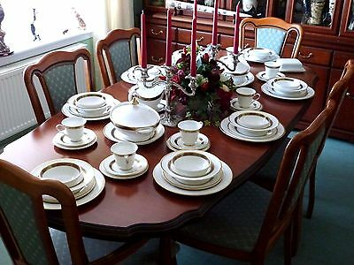 """Royal Doulton  """" HARLOW """"  China Dinner service  64pc  8 place 1st quality MINT"""