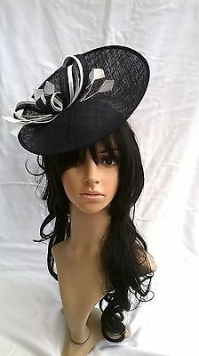 *NEW NAVY & IVORY SINAMAY FASCINATOR* .Turnup saucer disc,Wedding..races