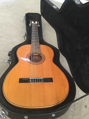 V Sanchis Solid Top Hand Made Spanish Guitar With Hard Case (v27)