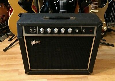 GIBSON USA VINTAGE GUITAR AMP early 1970s good working order!OFFERS??