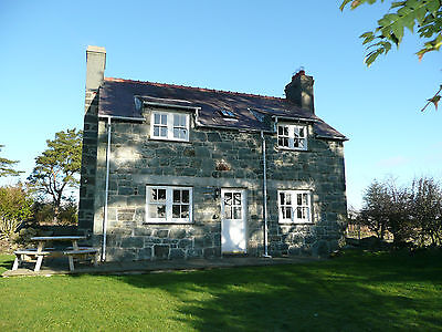 30 June - 3 July Beautiful Welsh Cottage, Sea & Mountain Views,  Log Fire, 1 Pet