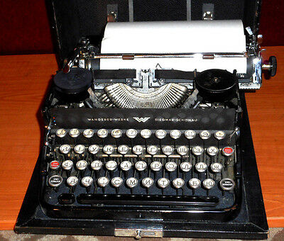 Antigue  Wonderful 1930's Continental Standard Typewriter in Working Order.