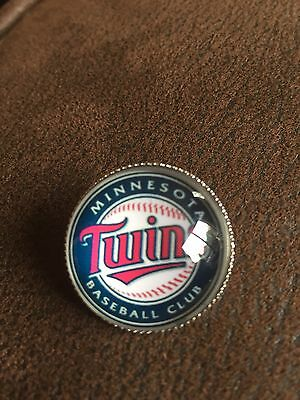 MINNESOTA TWINS  Baseball MLB Glass Fronted Raised & Unique Pin Badge Team Logo