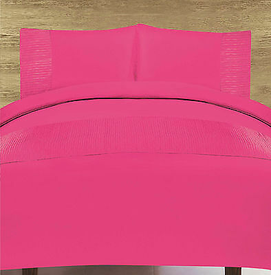 Modern Duvet Cover & Pillow Case Bedding Set Monoco Fuchsia - Size Double