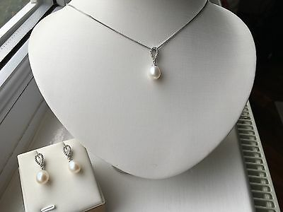 Sterling Silver 925 Freshwater Pearl Pendant Necklace/earrings Set Gift Box