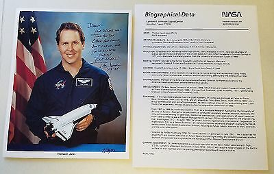 Thomas D. Jones Sts-59, 68, 80, 98 Nasa Astronaut Signed Autographed 8X10 Photo