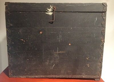 Vintage Wooden Primitive Tool Box / Carry Tote / Old Crate