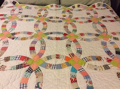 Double Wedding Ring Quilt All Cotton Hand Done A Beauty Vintage Prints