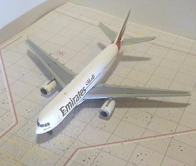 Emirates A330  Diecast Model Aircraft 1/400 Scale Gemini Jets