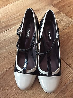 Lovely Black/Cream Ladies High Heeles Court shoes - Size 5 - New - Bargain!!