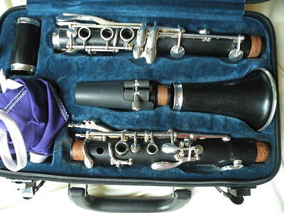 Accent 11 Germany Wood Clarinet.  Great Pads Silver Keys Identical to Buffet E11