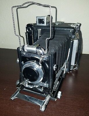 Graflex speed graphic, w/ case and lotsa extras