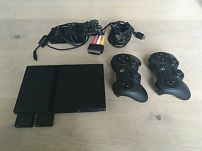 PlayStation2 PS2 Slim mit 2 Logitech Funk-Controller