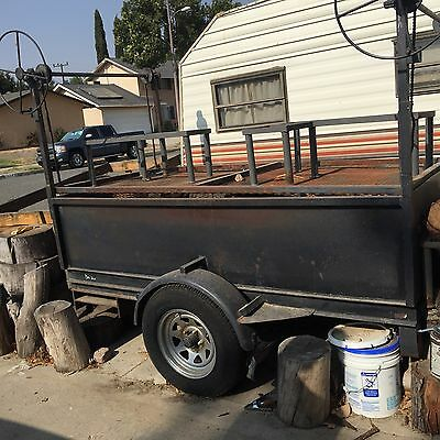 8x4 BBQ TRAILER WITH ADJUSTABLE GRILL