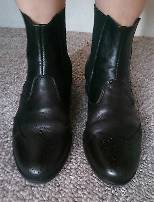 Kathryn Wilson Black Leather Ankle Boots – size 40 or 8.5-9
