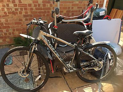 Men's Unisex Bicycle Bike Cycle Carrera Crossfire 2 Not Used Brand New Was £300