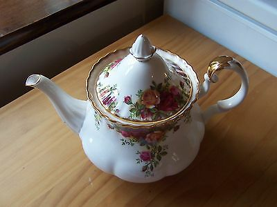 "ROYAL ALBERT OLD COUNTRY ROSES LARGE TEAPOT 1st. QTY. ORIGINAL B/STAMP ""PERFECT"""