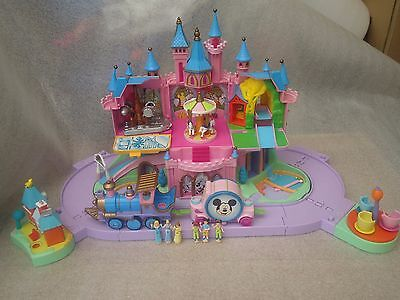 Polly Pocket Vintage : Chateau Disneyland  / Magic Kingdom  + 6 Personnages