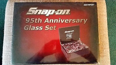 Snap-On 95Th Anniversary Glass Set In Wooden Display Box