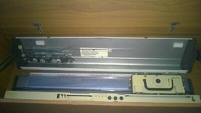 Knitting Machine with Ribber Attachment with books - hobby earner