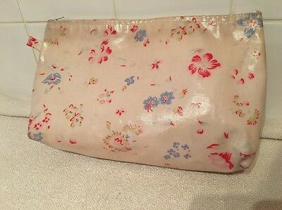 Cath Kidston Floral Oilcloth Toiletry Wash Bag Cosmetic Makeup Case