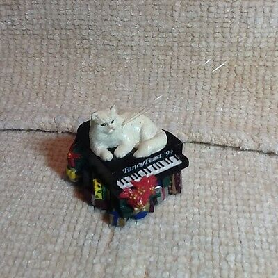 Fancy Feast 1994 Cat On Piano Ornament, No Box, Free Shipping